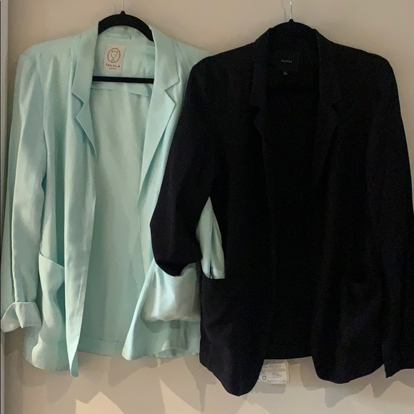 Selling 2 for 1 Aritzia TALULA blazers, size 6